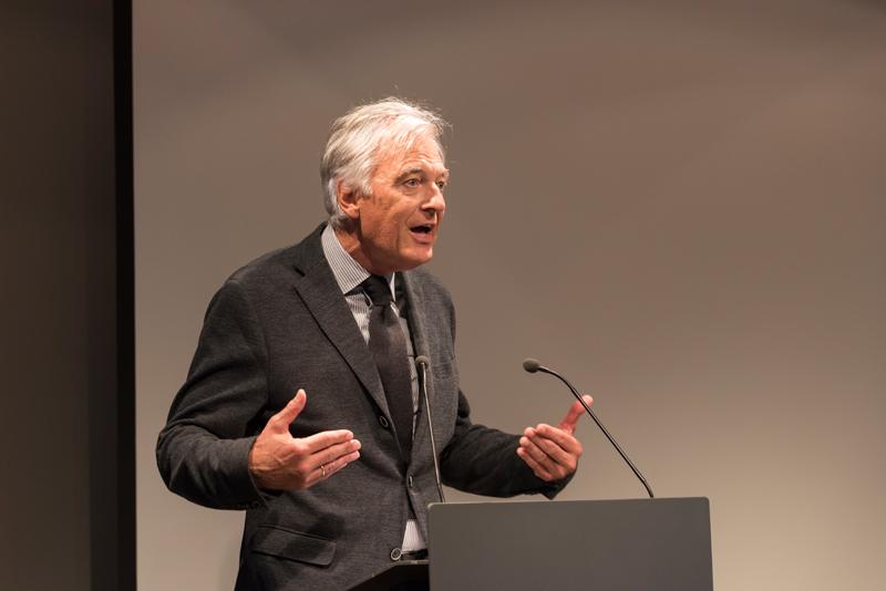 Grußwort des Kulturdezernenten der Stadt Frankfurt am Main, Prof. Felix Semmelroth © Horacio Villalobos / Corbis 2015