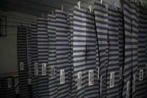 Trocknung von Stoffbinden im Wäschekeller © Percy Walther