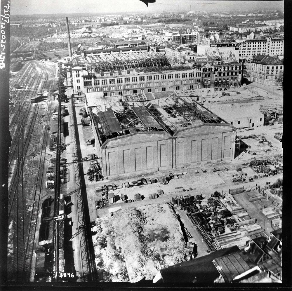 Schrägaufnahme der Adlerwerke 1945